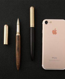עט כדורי מעץ