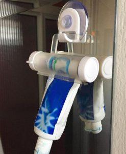 מתקן לסחיטת משחת שיניים