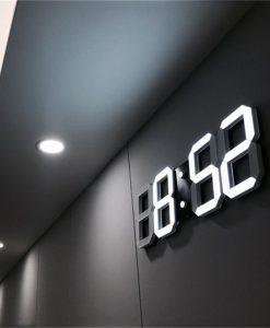 שעון קיר דיגיטלי עם תצוגת LED ושעון מעורר