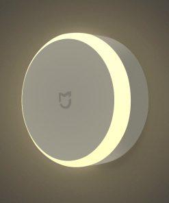 מנורת לילה עם חיישן