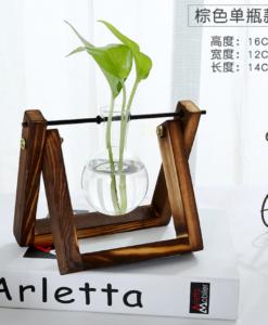 אגרטלי זכוכית עם מעמד עץ