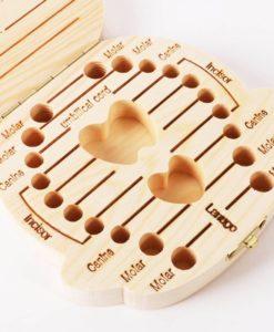 קופסת שיני חלב מעוצבת מעץ עם אפשרות רישום לפרטי הילד